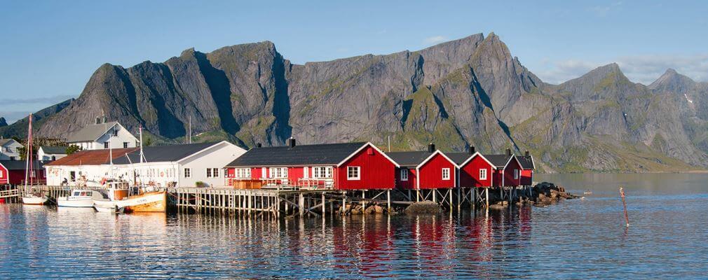 Uferangeln in Norwegen an Stegen vom Ufer